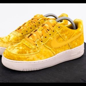 Nike Air Force One LV8 Women's Size 8.5